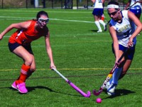 Field Hockey Scrapes Past Ethel Walker, 4-3