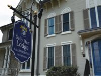 Located at the center of campus, the Sally Hart Lodge serves prospective students, parents, and alumni alike.